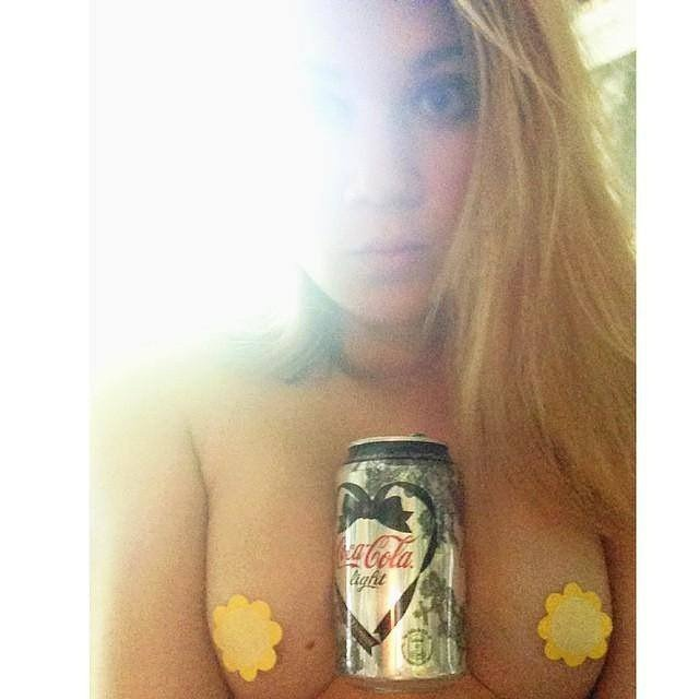 Hold a Coke with your Boobs Challenge Full Nude Topless GF Pics