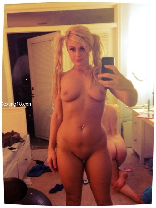 Popular Snapchat Nude Girls - Nude Selfies