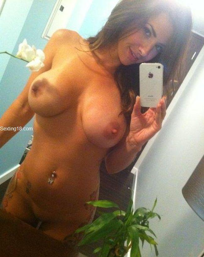 Hot Teen Girl Taking Naked Selfies