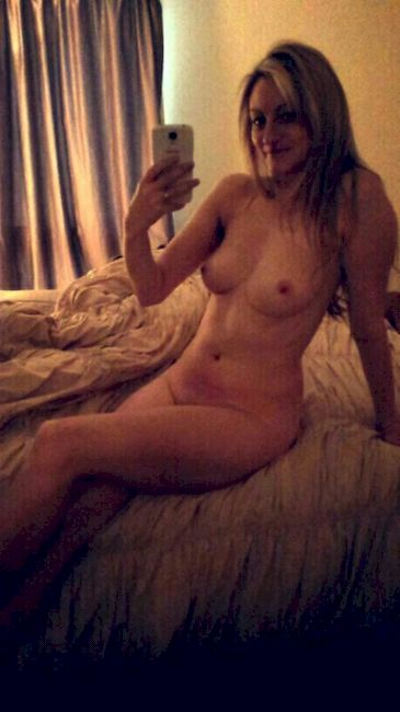 Amateur Milf Porn :: Amateurs Xxx Mature Videos - My Wife Nude Selfies