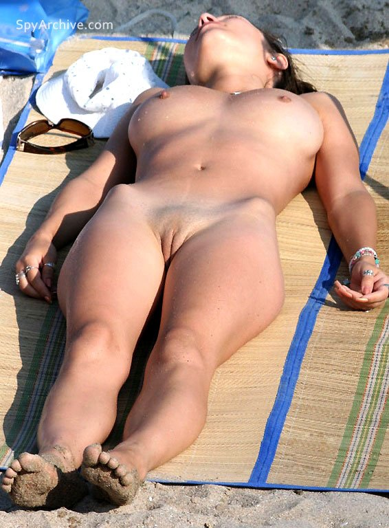 Great voyeur shots from nudist beach