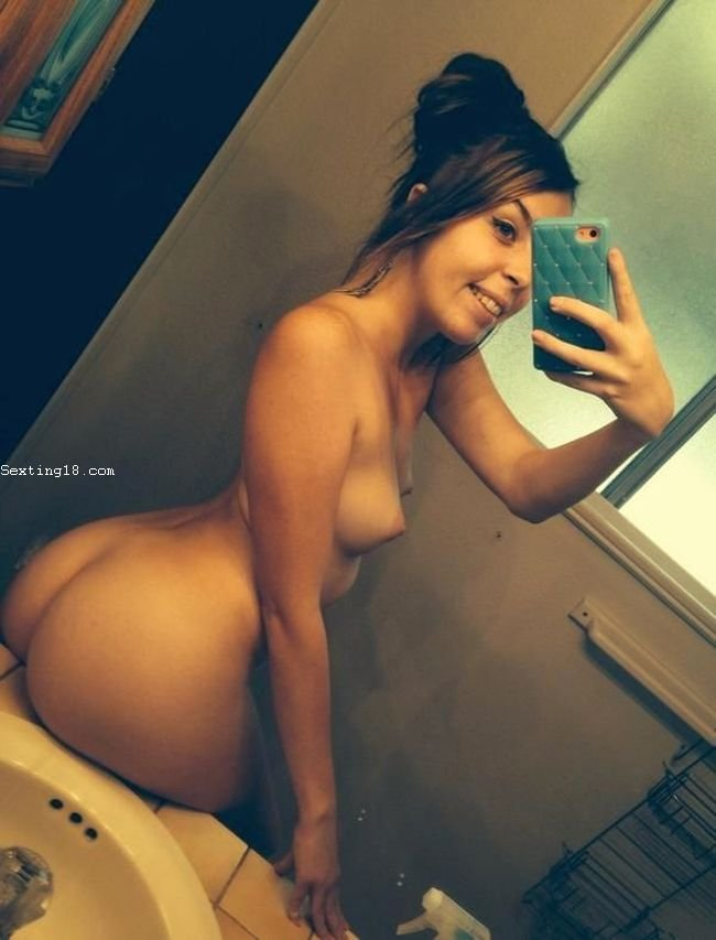 100,000 Nude Teens Snapchat Photos Leaked On 4Chan