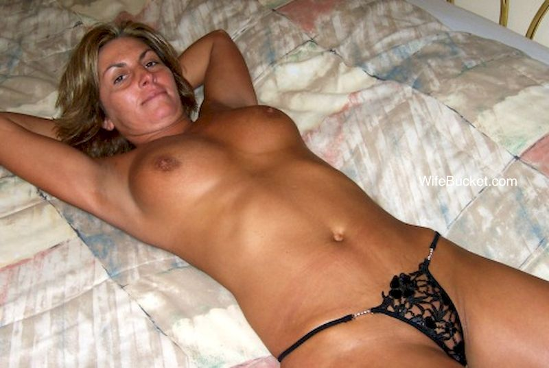 Wifebucket-Free-Milf-Mom-Sex-Orgy-Pictures-Videos-Leaked -6813